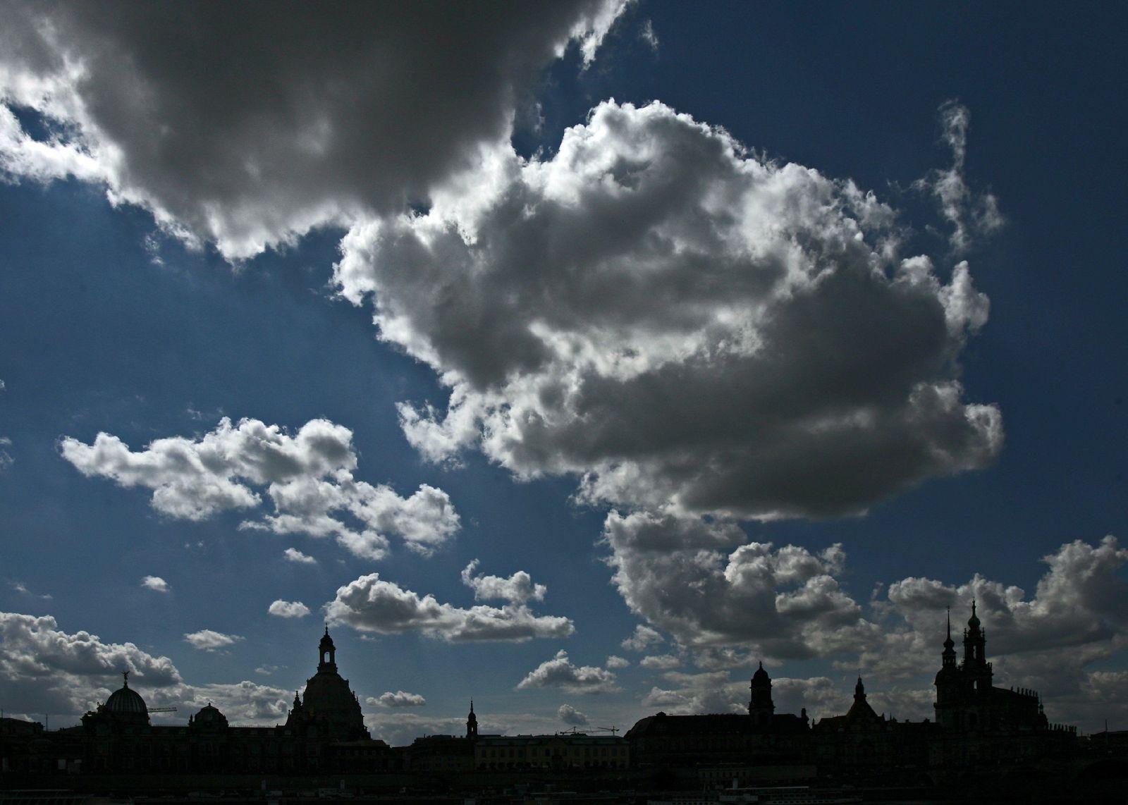 Wolken über Dresden / Himmel