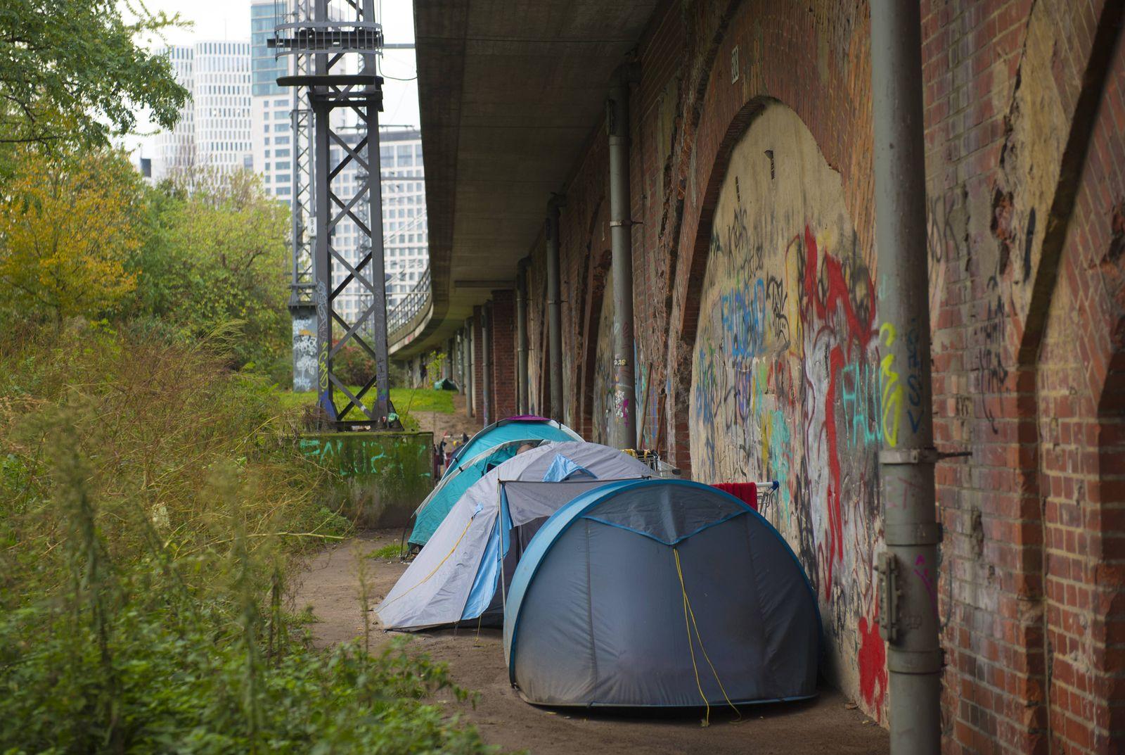 DEU Deutschland Germany Berlin 26 10 2017 Zelte von obdachlosen Personen im Tiergarten Obdachl