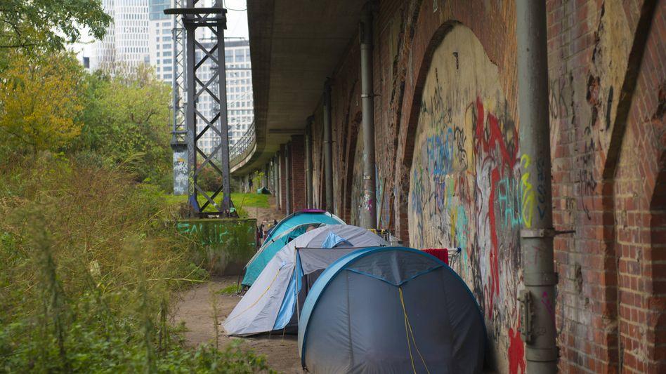 """Obdachlosigkeit in Berlin: """"Ein menschenwürdiges Existenzminimum, das das Überleben in dieser Zeit sichert"""""""
