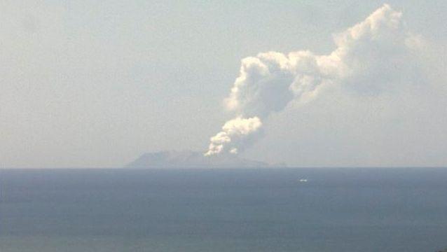 """Aschewolke über White Island: Der """"Whakaari"""" ist der aktivste Vulkan Neuseelands"""