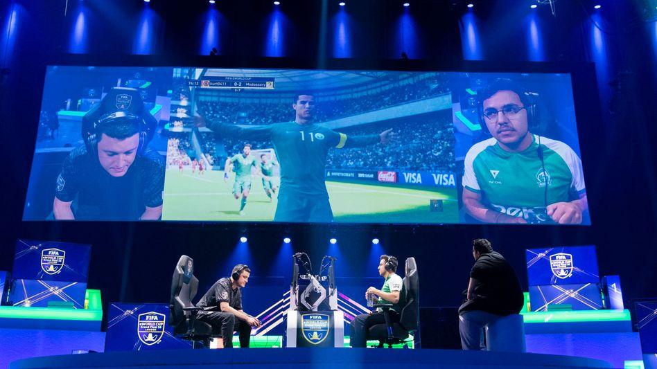"""Halbfinale beim eWorld Cup: """"Kurt"""" gegen """"Msdossary"""""""