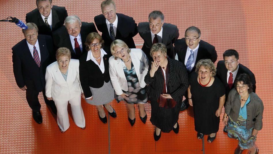 Rot-grüne Minderheitsregierung: Kraft holt fünf Frauen ins Kabinett