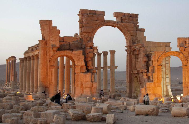 Zerstörte Kulturdenkmäler in der Antikenstadt Palmyra