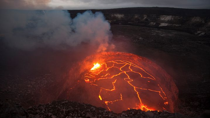 Lavasee auf dem Kilauea: Schwellende Glut