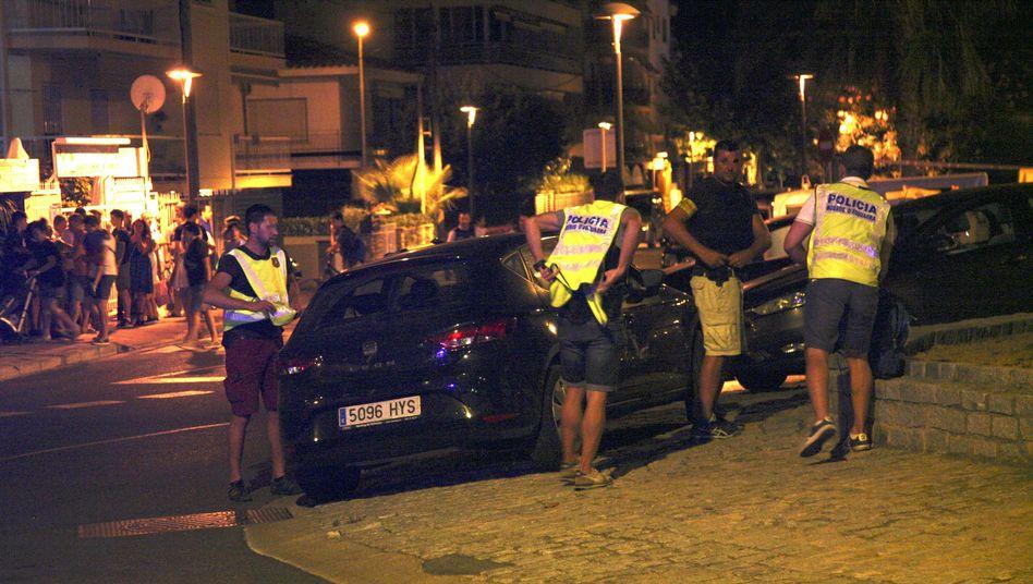 Südlich von Barcelona: Polizei tötet mutmaßliche Terroristen in Cambrils - Sprengstoffgürtel waren Attrappen