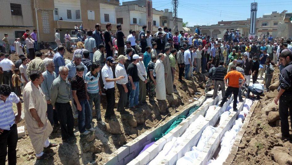 Protest gegen Massaker: Deutschland weist syrischen Botschafter aus