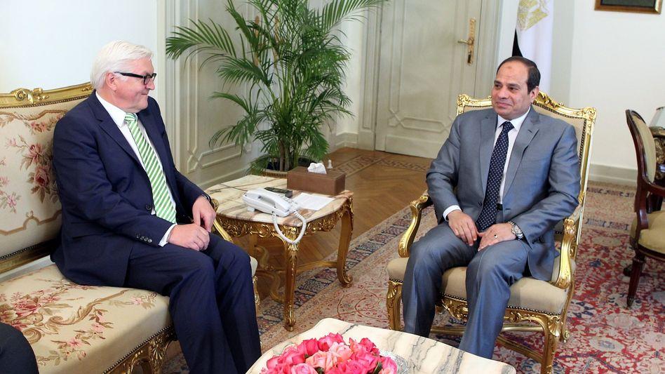 Visite in Kairo: Außenminister Steinmeier (l.) bei Sisi (Aufnahme vom 4.Mai)