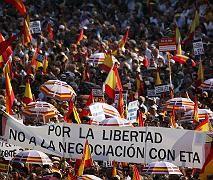 """Großdemo in Madrid: """"Für Freiheit, nicht für Verhandlungen mit der Eta"""""""