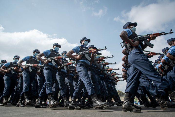Polizeiparade in der äthiopischen Hauptstadt Addis Adeba
