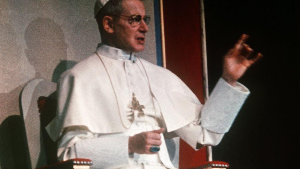 Theater-Skandal: Attacke des Papst-Lästerers