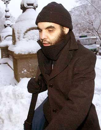 Der Marokkaner Abdelghani Mzoudi am Freitag vor dem Hamburger Oberlandesgericht: Nur ein Freund der Terroristen oder ein Mitwisser?