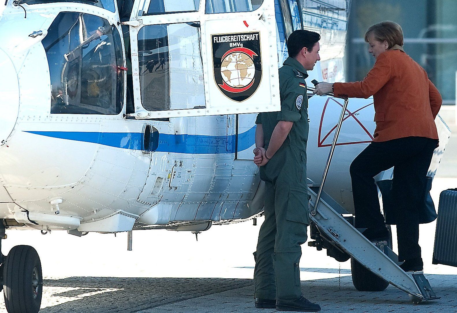 Angela Merkel / Hubschrauber