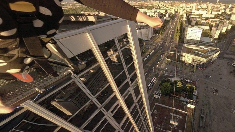 VR-Rundumfoto einer Spezialkamera (Ausschnitt): Mit Rosenduft gegen die Schwummrigkeit