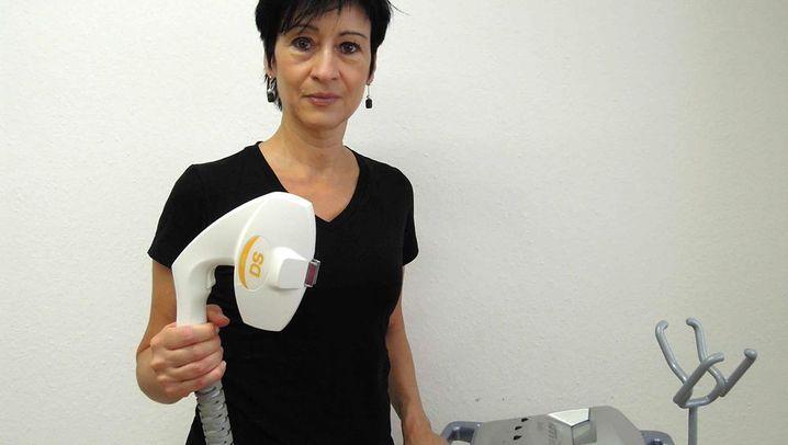 Von Beruf Elektrologistin: Weg mit dem Haar
