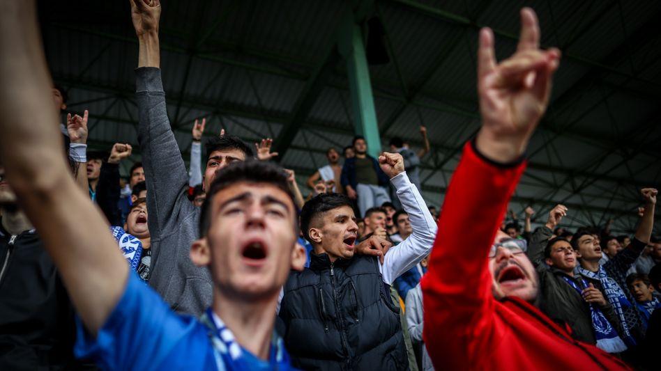 Ultranationalistische Fußballfans in Istanbul