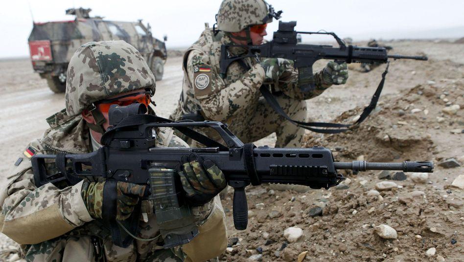 Bundeswehrsoldaten in Afghanistan (Archivbild): Mehr Geld fürs Militär