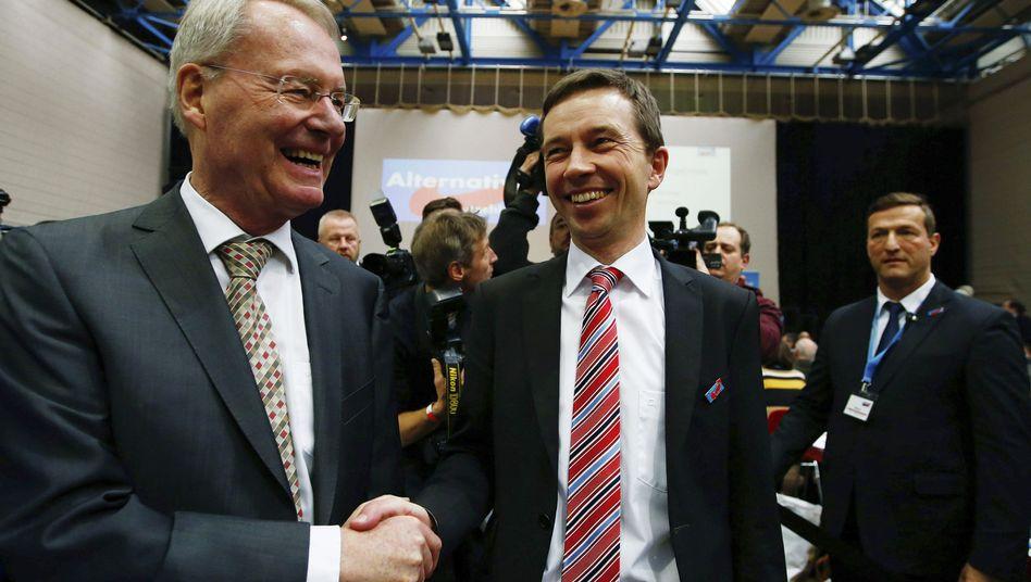 Hans-Olaf Henkel (l.) und Bernd Lucke: Die AfD kürte Lucke zum Spitzenkandidaten, auch Ex-Industriepräsident Henkel wird herausragende Rolle spielen