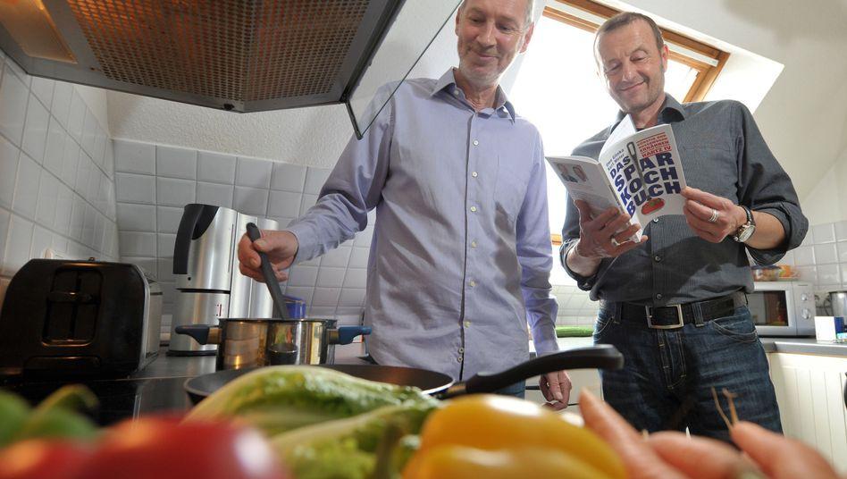 Kurt Meier (links) und Uwe Glinka: Erfolg mit Spar-Büchern