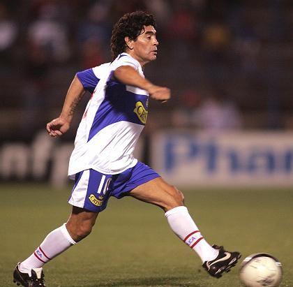 Maradona am Ball: Im Fernsehen macht er keine so gute Figur