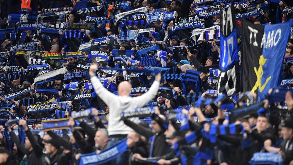 Atalanta-Fans feiern ihr Team in der Königsklasse - ein Fest, dass sich als fatal herausstellen könnte