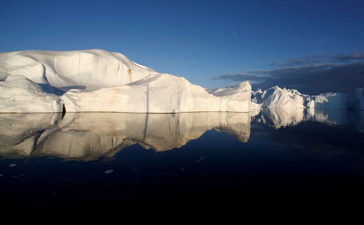 Ein Eisberg im Jakobshavn-Fjord in Grönland (Archivbild)