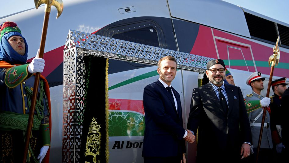 Emmanuel Macron (l.) und König Mohammed VI. (r.)