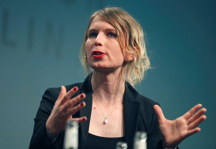 Manning auf der Bühne