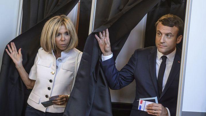 Wahlsieg in Frankreich: Macron jubelt, Le Pen tritt nach