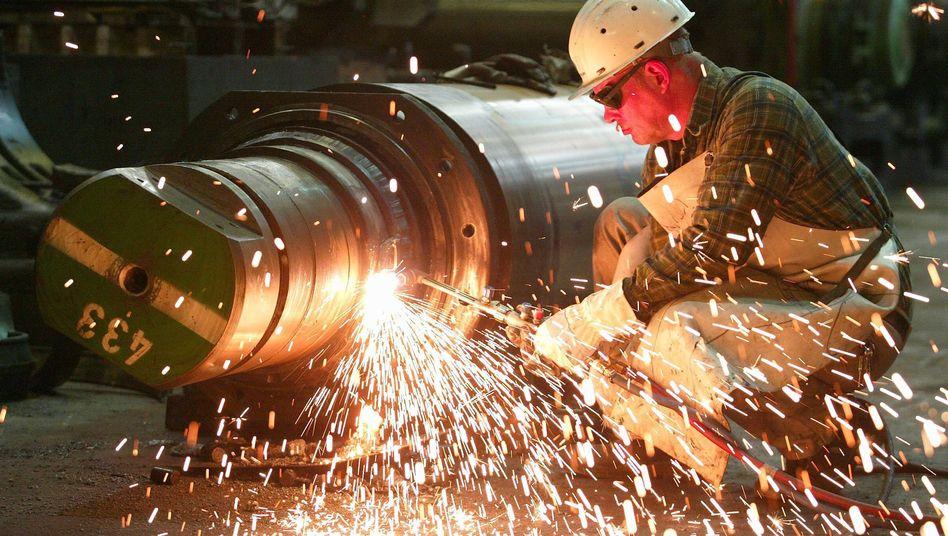 Mitarbeiter von ThyssenKrupp: 43 Prozent der Mitarbeiter nehmen Überstunden in Kauf