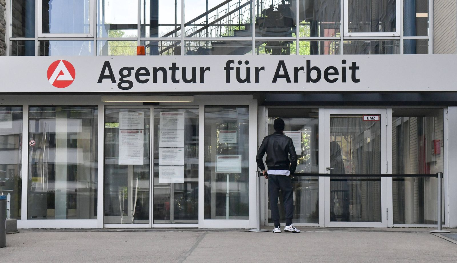 xblx, Agentur fuer Arbeit, emwirt Frankfurt *** xblx, Agency for Employment, emwirt Frankfurt