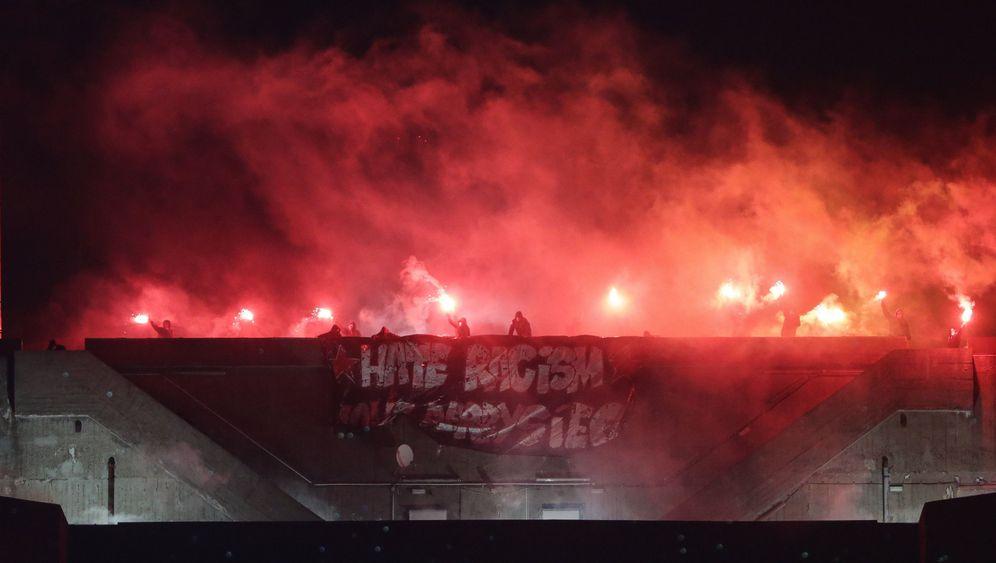Pyros auf St. Pauli: Feuer auf dem Bunker