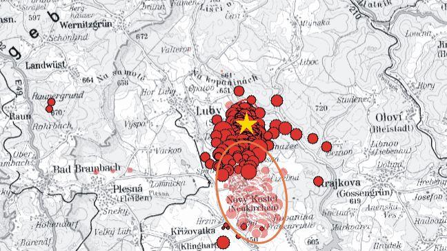 Karte: Epizentren der Schwarmbeben 2008 (hellrot) und 2011 (dunkelrot)