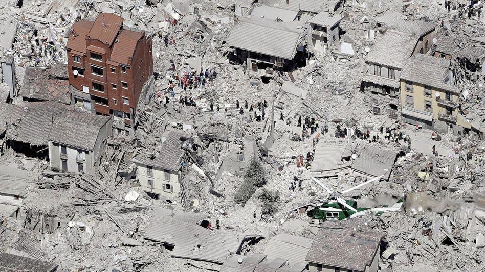 Zerstörte Altstadt von Amatrice: Die Trümmer dessen, was einmal »die Stadt der hundert Kirchen« war