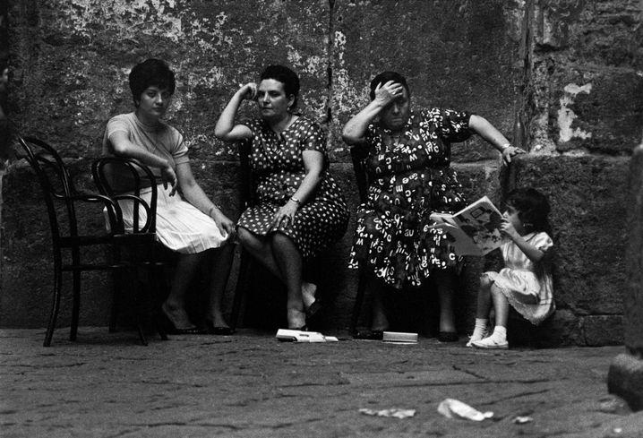 Frauen in Neapel 1964