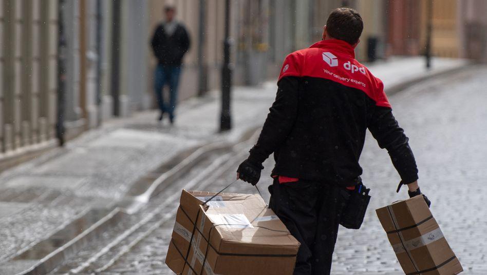 Zusteller in Brandenburg an der Havel: Die Hälfte der Beschwerden betraf Pakete