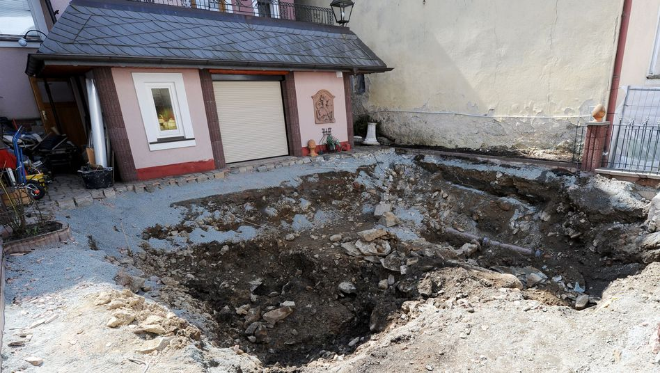 Aufgebaggerter Hinterhof in Lichtenberg: Keine Spuren von Peggy