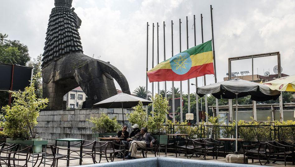 Flagge auf Halbmast in der Hauptstadt Addis Abeba