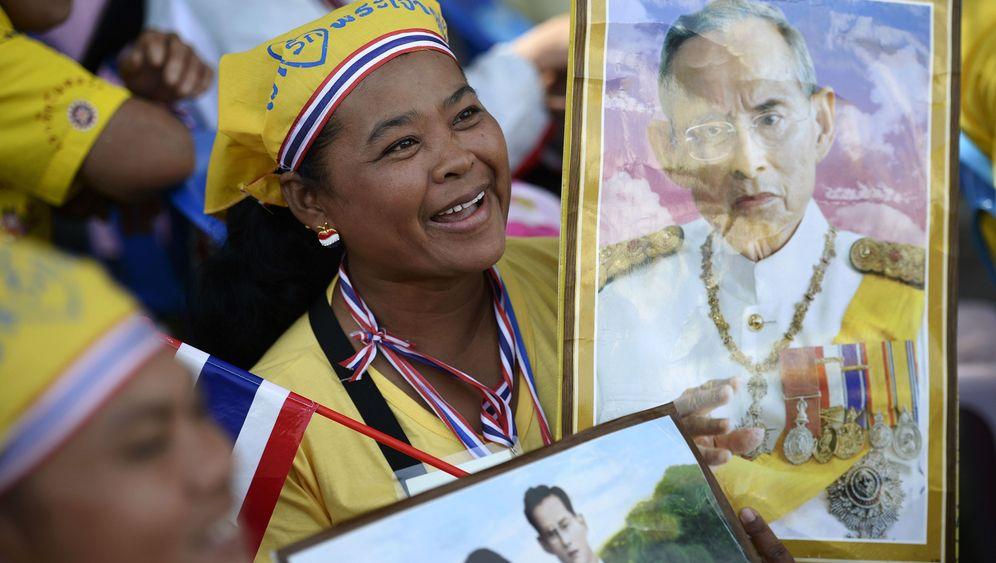 Thailand: König Bhumibol feiert Geburtstag