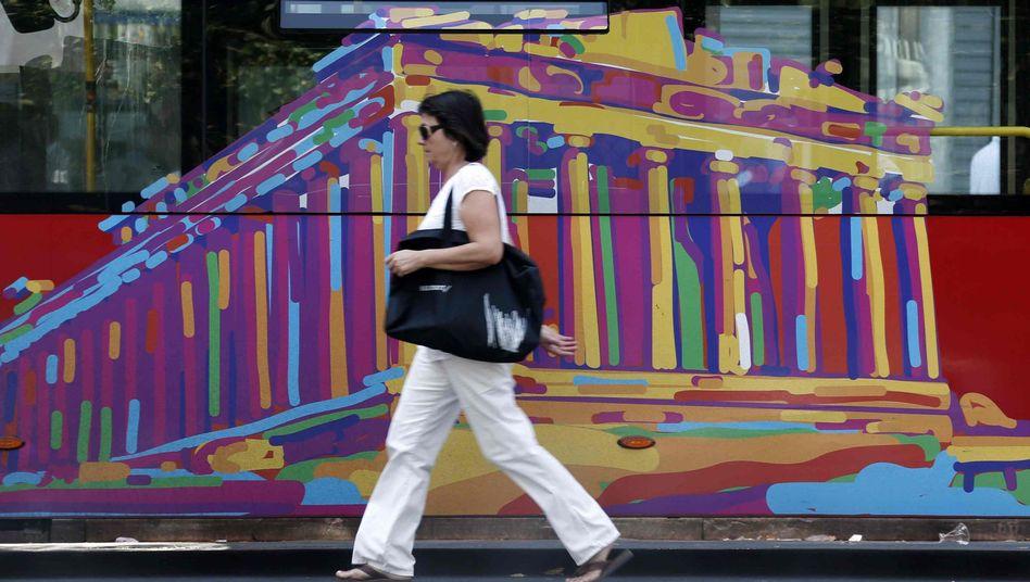 Passantin in Athen: Mit Trippelschritten gegen die Pleite