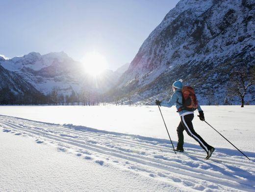 Langläuferin im Karwendel: Mehr los auf den Loipen