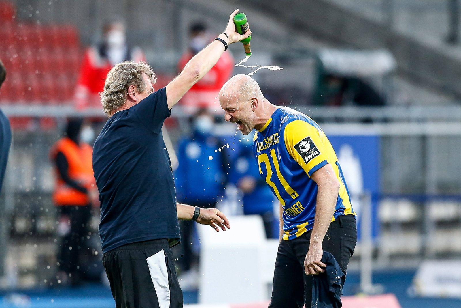 01.07.2020, xtgx, Fussball 3. Liga, Eintracht Braunschweig - SV Waldhof Mannheim, v.l. Marco Antwerpen (Braunschweig, T
