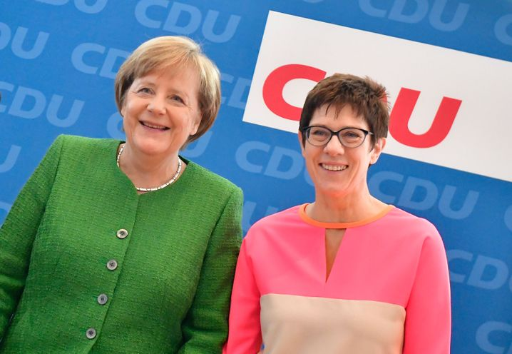 Chancellor Angela Merkel and Saarland Governor Annegret Kramp-Karrenbauer