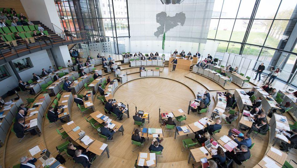 Sächsischer Landtag in Dresden: Dreierbündnis oder Minderheitsregierung?