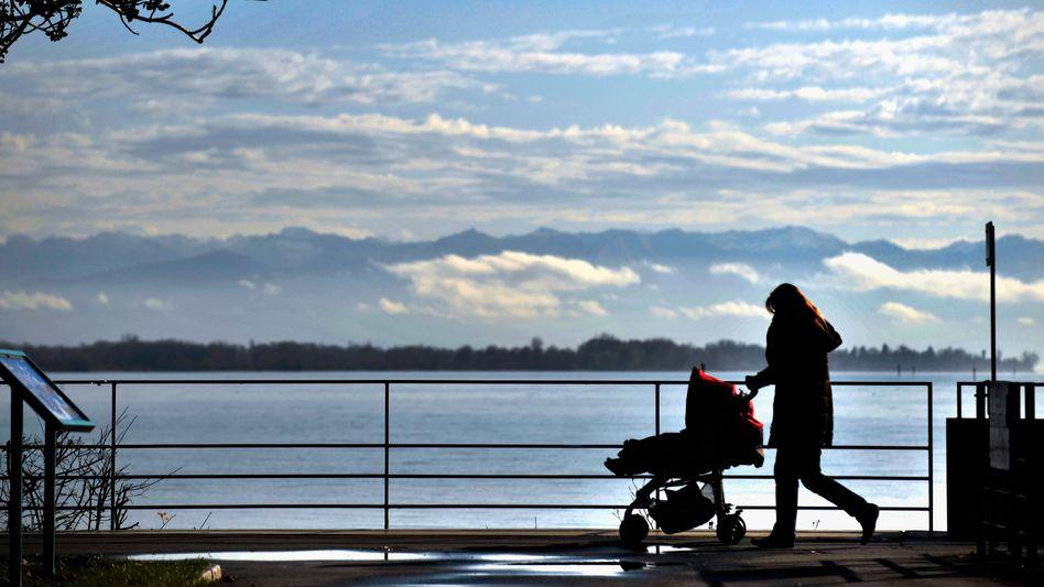 Mutter mit Kind (am Bodensee): Die direkten Vorgesetzten entscheiden über die Karriere