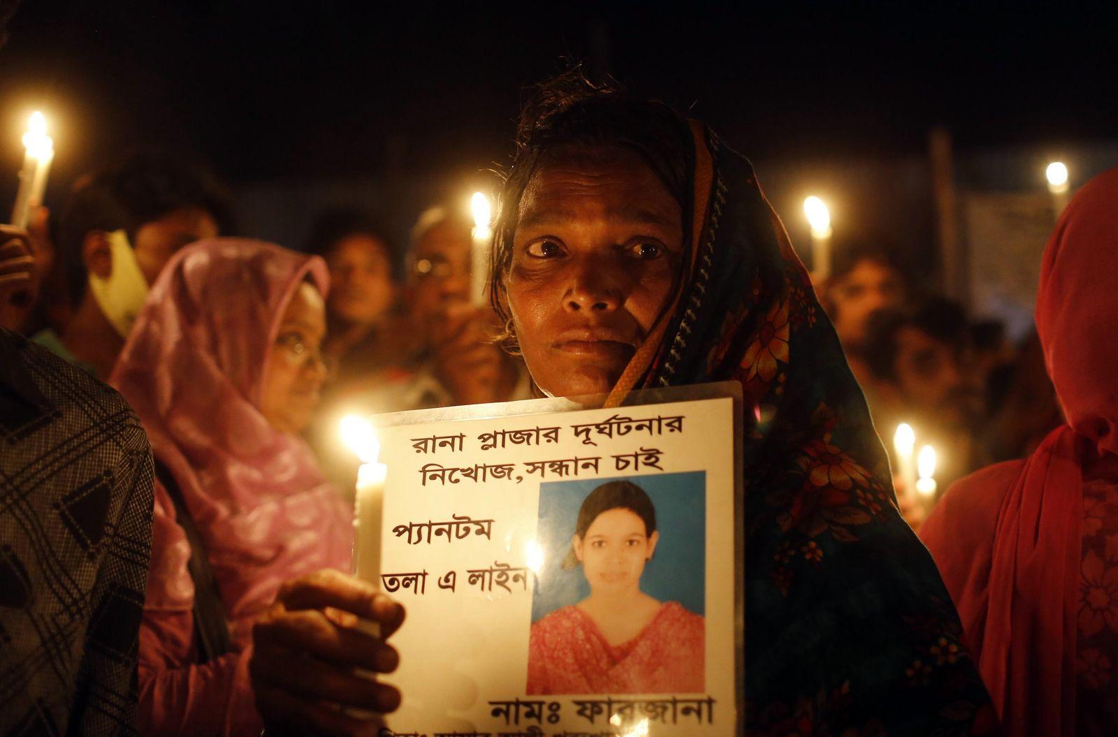 Bangladesch/ Jahrestag Fabrikeinsturz