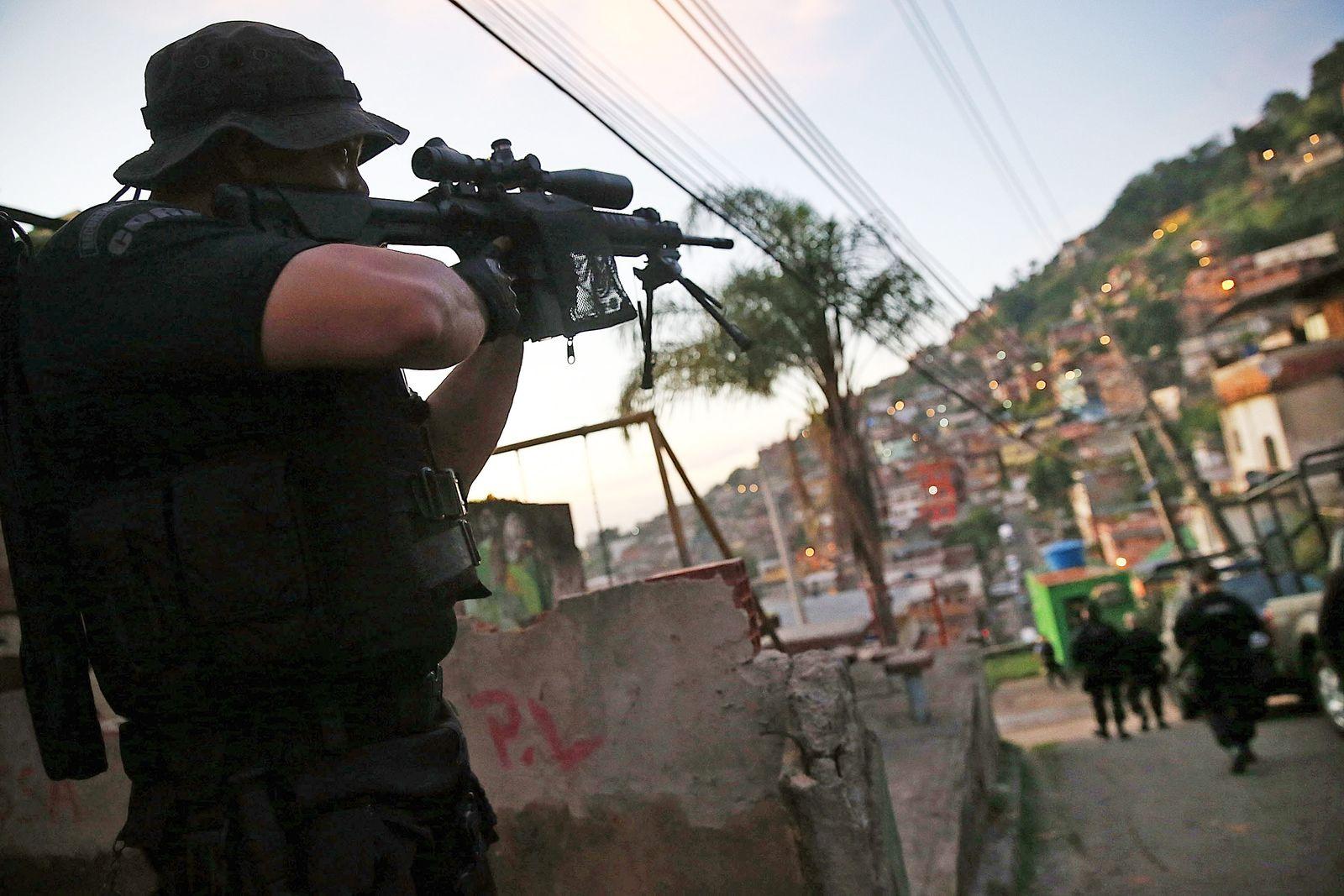 Polizei Favela Rio