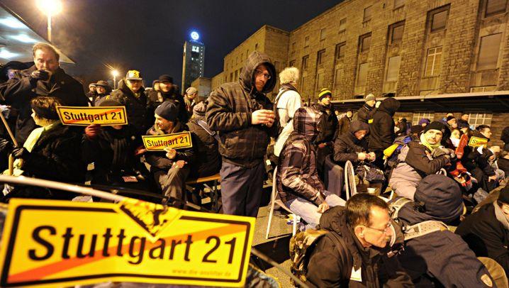 Stuttgart 21: Großaufgebot am Südflügel