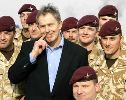 Tony Blair in Basra: Mögliches Abzugsdatum im Gepäck