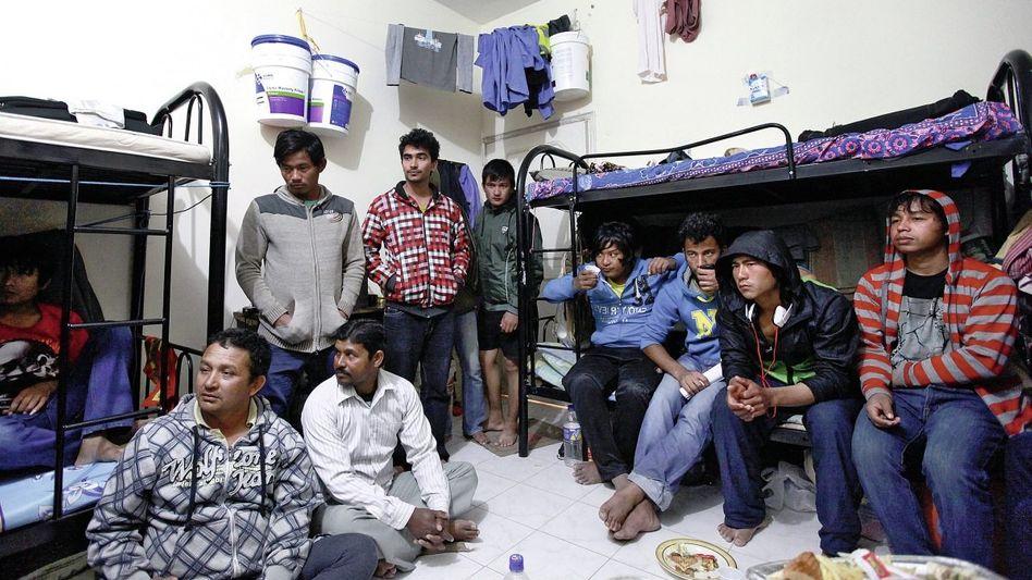 Nepalesische Gastarbeiter in Doha Schon jetzt klebt Blut an der WM