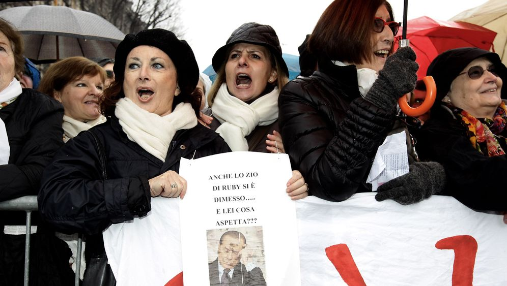 Photo Gallery: Italian Women Rise up Against Berlusconi